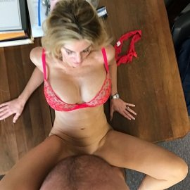 Hardcore Amateur Section - Valentine's Day At Alana's Office