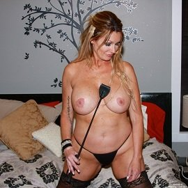 Homemodels - First Time MILF