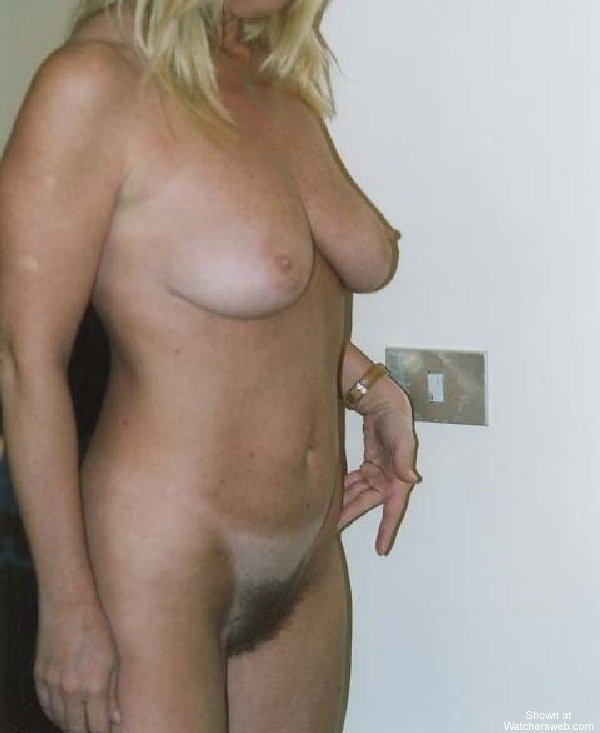 Nude mature women dancing