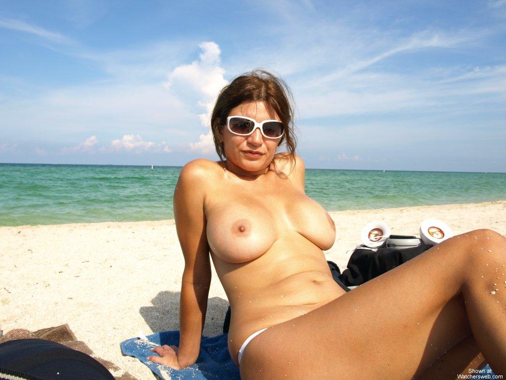 amateur milf beach