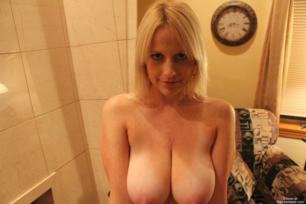 Celebrity sex tape: Abi Titmuss (Part 1)
