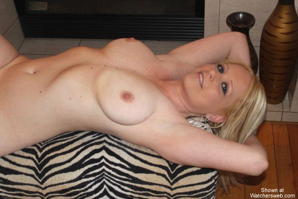image Real amateur blonde great tits first time vid