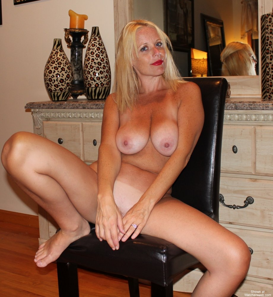 Real amateur milf shower and teasing homemade video