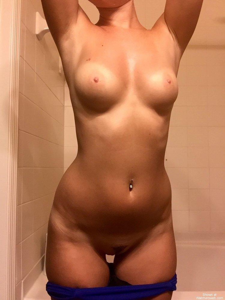 Real amateur natural tits