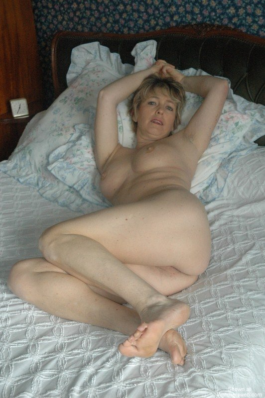 French mature exhibitionist-sex archive